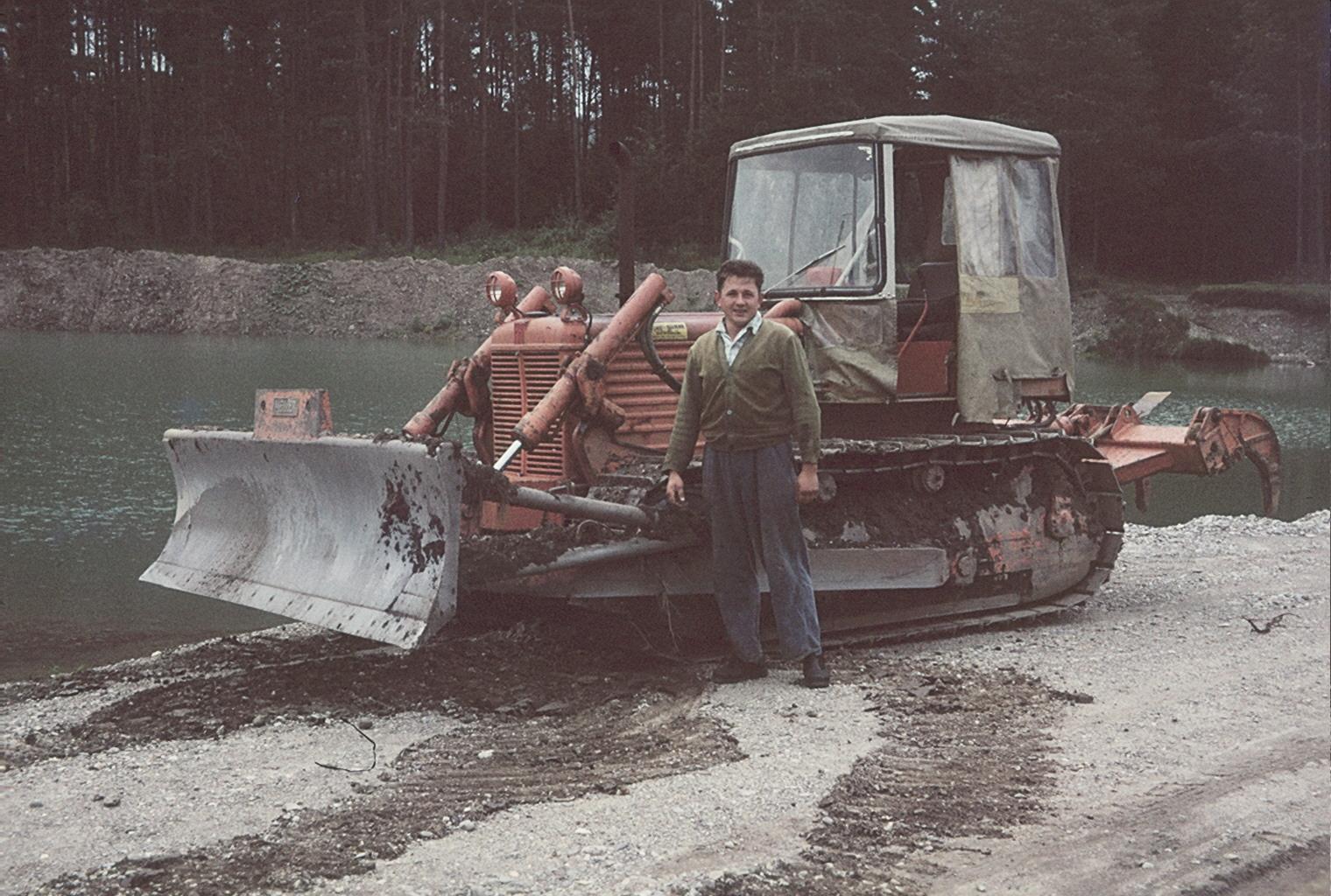 Fiat Raupe Kiesgrube mit Josef
